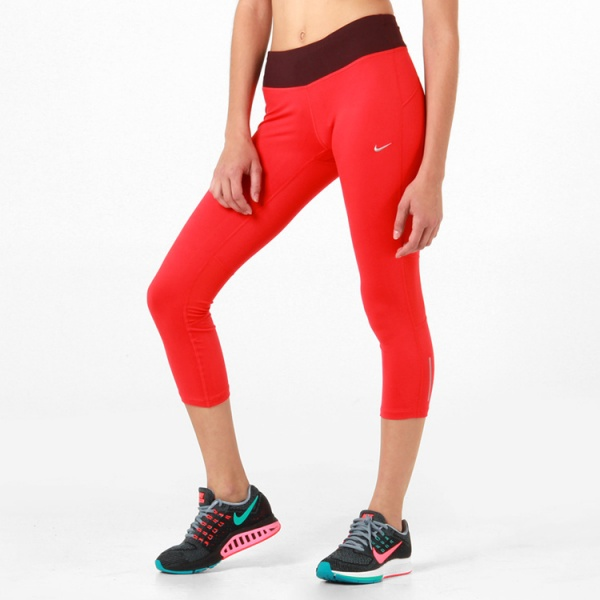 Calza rojas Nike para correr invierno 2015