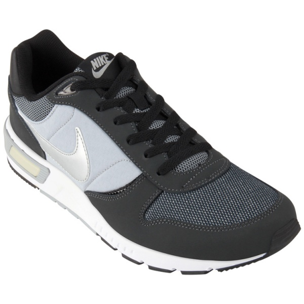 buy popular 67d32 c6a12 Zapatillas negras NIKE Nightgazer para hombre 2015