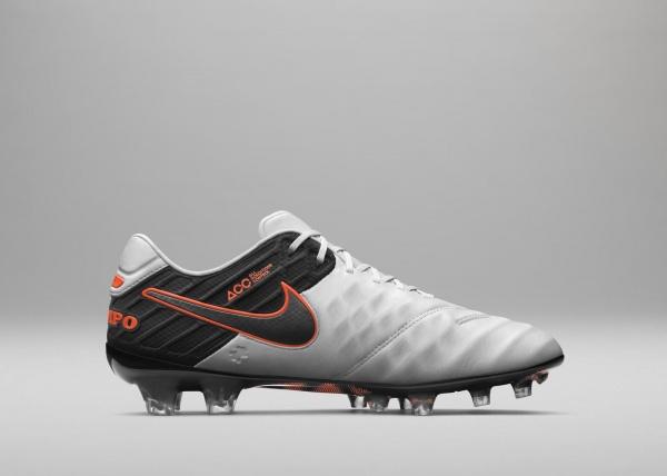 Nuevos botines de pique Nike Tiempo Legend 6